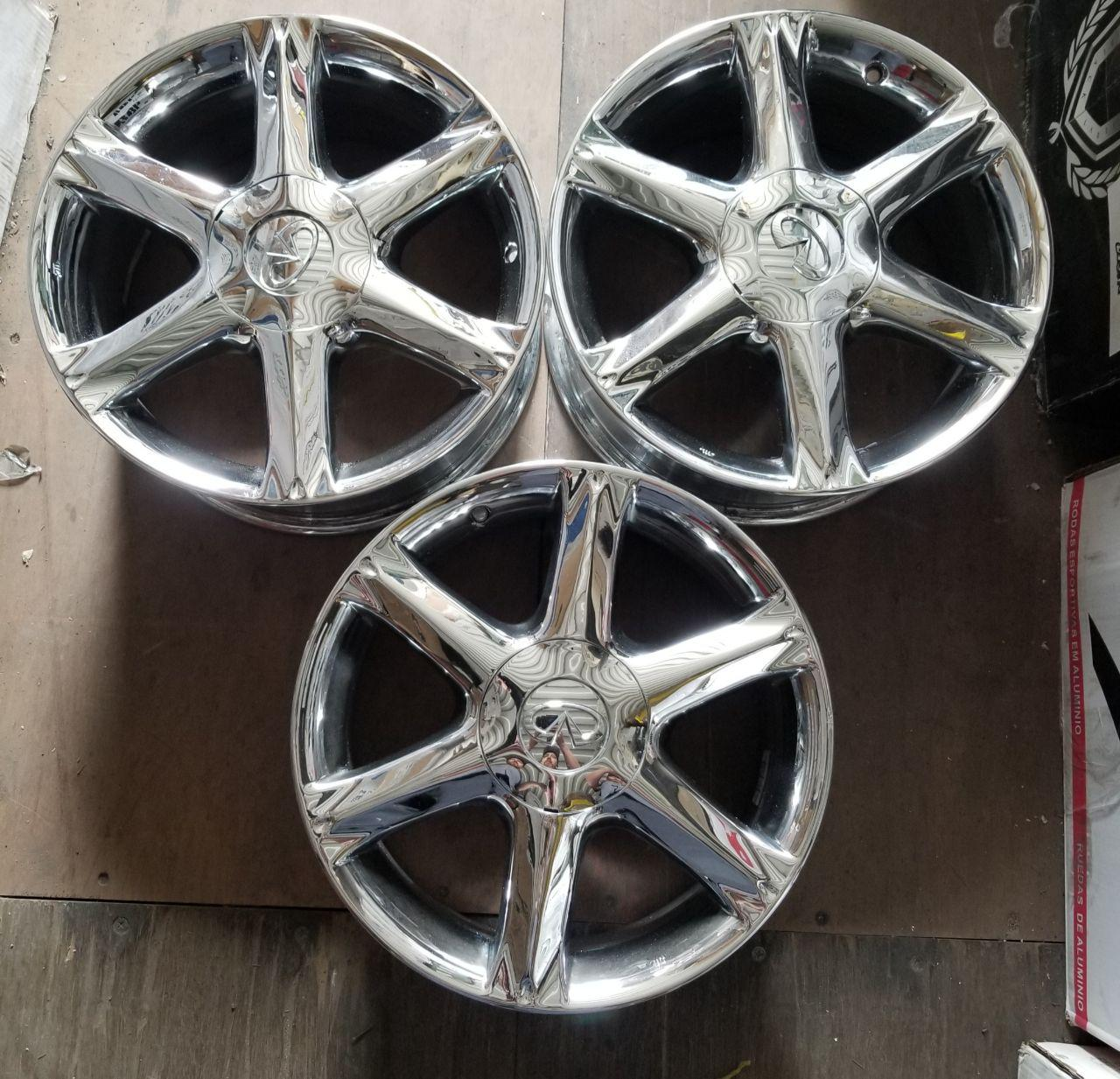 - OEM WHEELS - 2002-2004 INFINITI Q45 17x7.5 6 SPOKE Hollander #73663 /  USED
