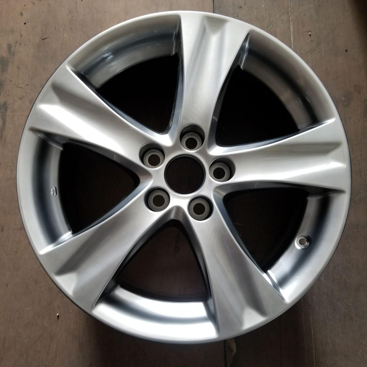 - OEM WHEELS - 2011-2013 LEXUS IS250/IS350 18x8.5 5 SPOKE Hollander #74239 /  USED