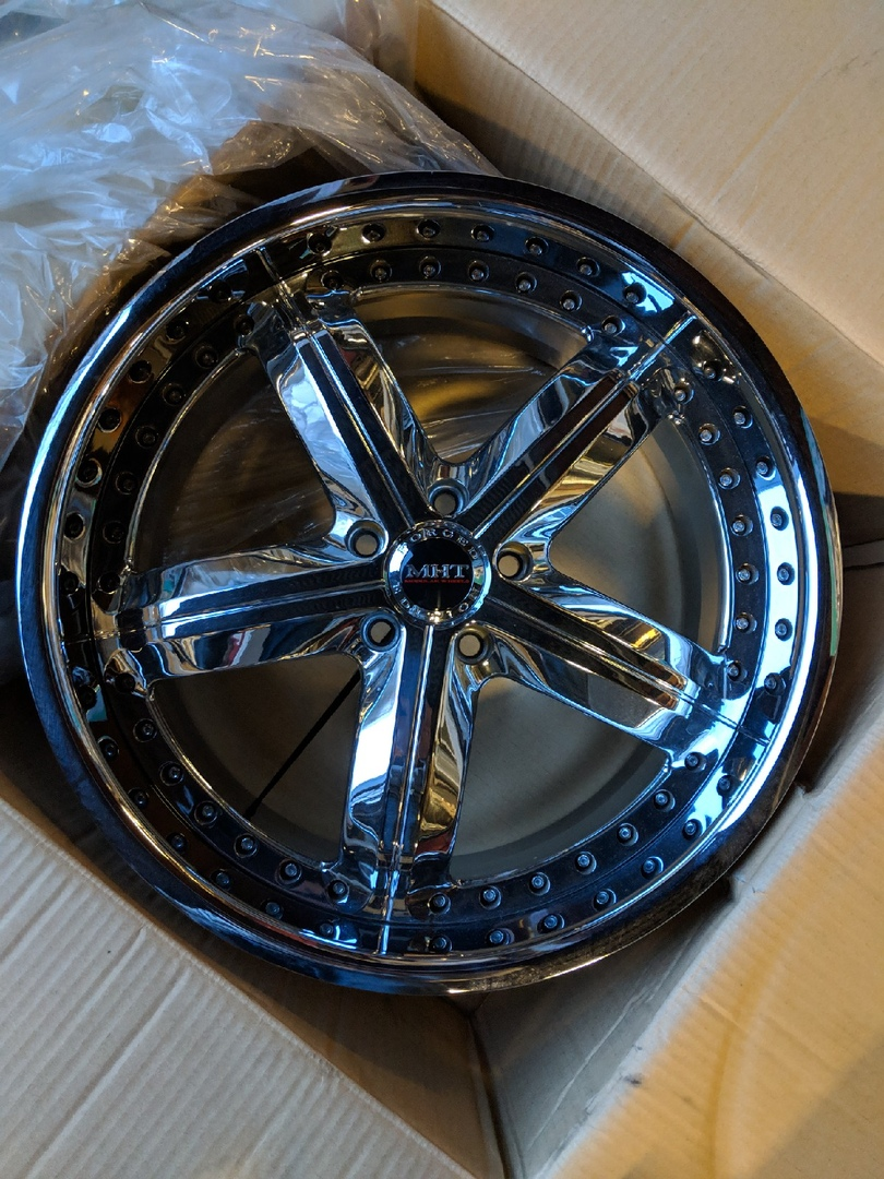 - WHEEL SPECIALS - MHT Montage Staggered 20x8.5/20x10 Chrome