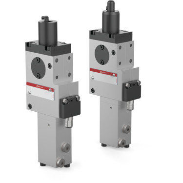 The 82P25 Series pneumatic pin clamps feature an enclosed and narrow design, with single-sided or double-sided clamping hook.