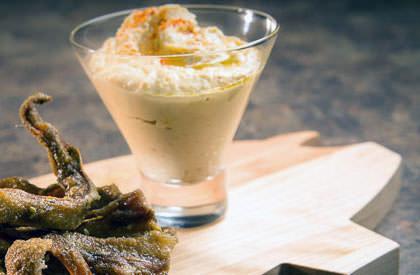 Photo de la recette de Chips d'oreilles de porc au zaatar et son hummus