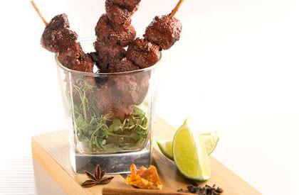 Photo de la recette de Brochettes de rognons de porc tandoori grillés au barbecue