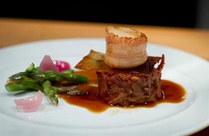 Photo de la recette de Jambon effiloché et pétoncles enrobés de bacon