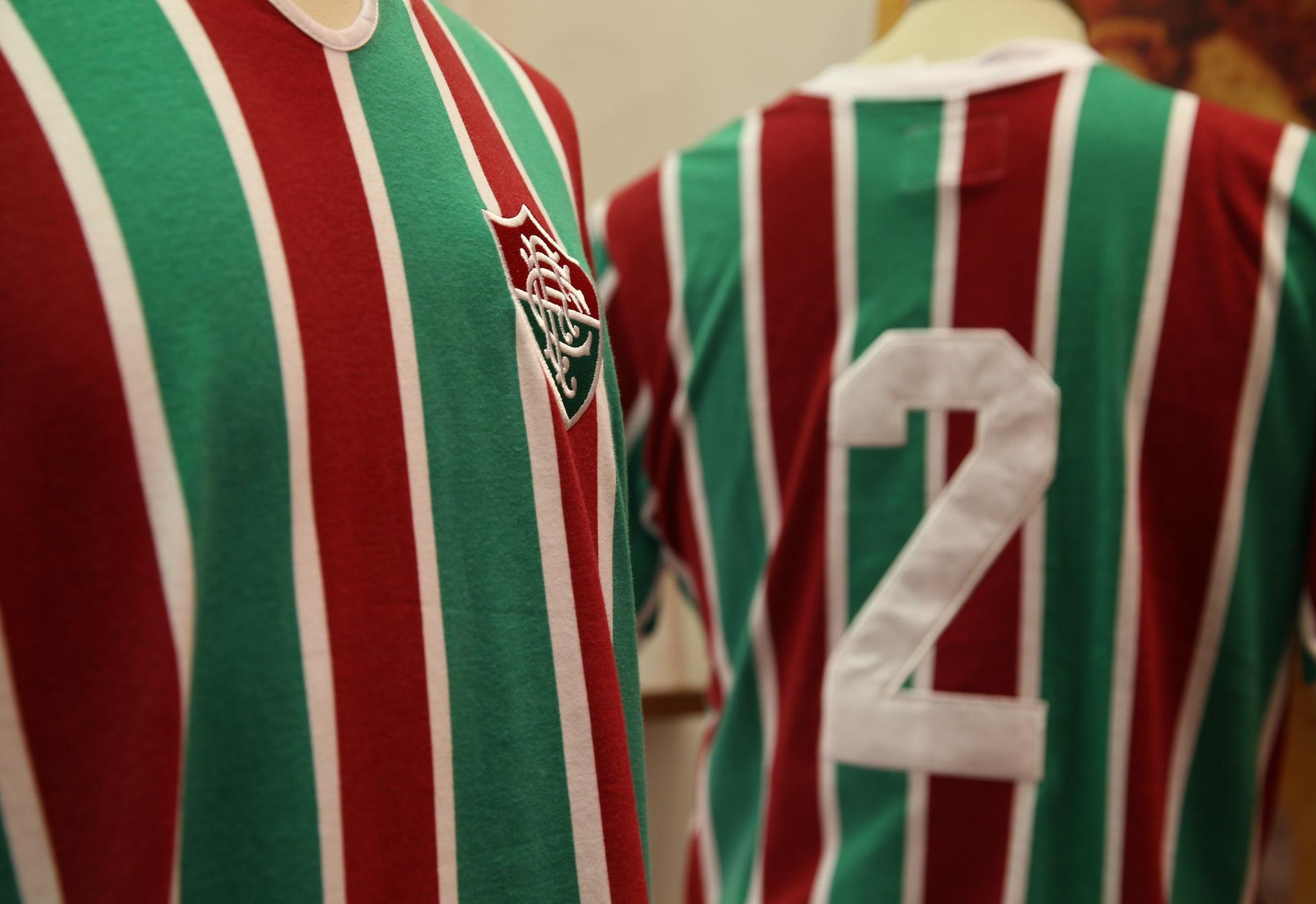 Fluminense lança camisa em homenagem a Carlos Alberto Torres ... 990a095521974