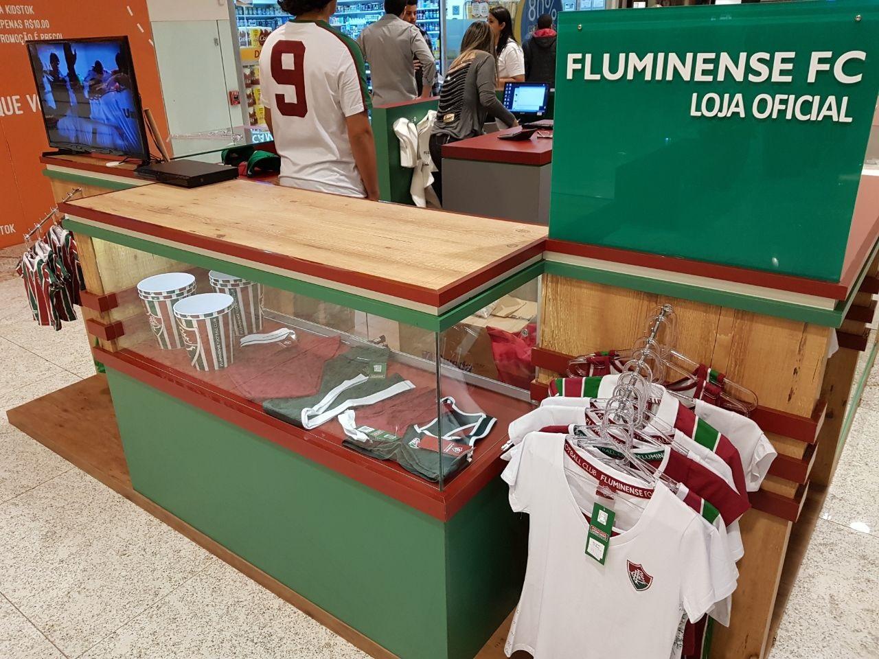 98b90aff5d Fluminense e Meltex Francising inauguram terceira loja oficial ...