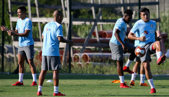 Fluminense: Abel comanda treino tático e prepara a equipe para FlaxFlu