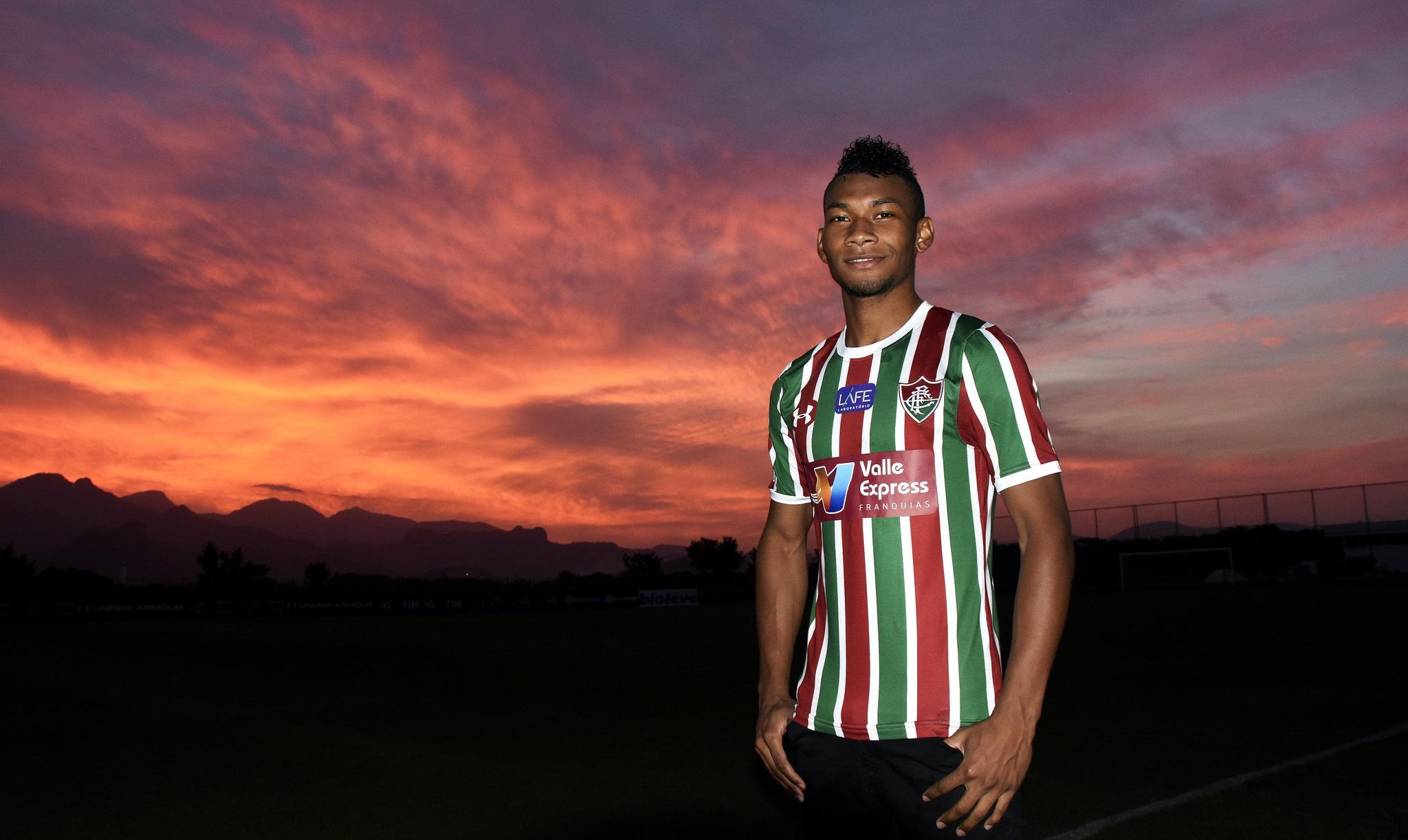 a06ecf1dfa É um privilégio e uma honra muito grande voltar à América do Sul para  recuperar meu futebol em um grande clube
