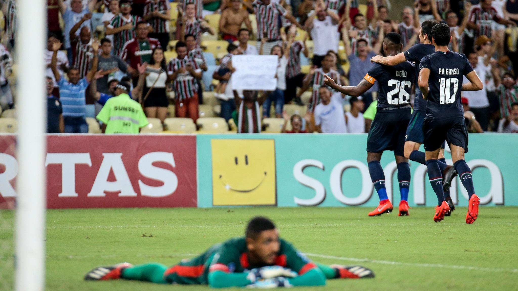 Fluminense vence o Bangu em noite de estreia de Ganso