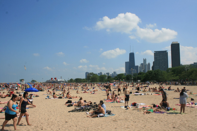 Chicago has some great beaches right near downtown. Apparently we weren't the only ones to notice!