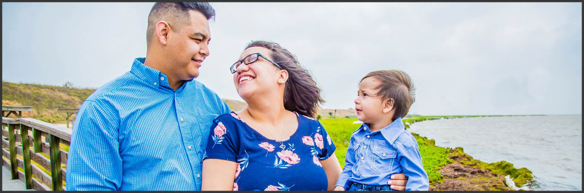 LoveLeigh Moments by Anissa Offers Family Photography in