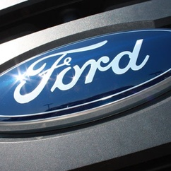 Ford wheels in wind and solar energy at dealerships