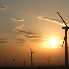 £5.2billion invested in the construction of 1095 renewable energy projects in 2014