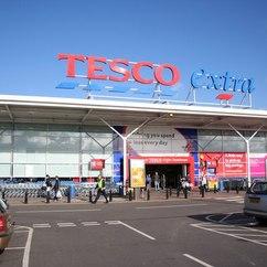Tesco cuts food waste to aid charities
