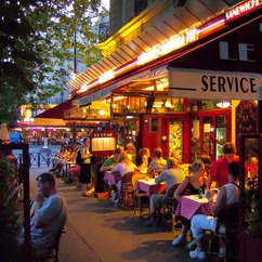 Paris cafés could soon be replacing harmful gas heaters with solar parasols
