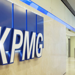 Yvo de Boer, KPMG's global chairman of climate change and sustainability services, said that CR reporting was now seen as an essential business management tool.