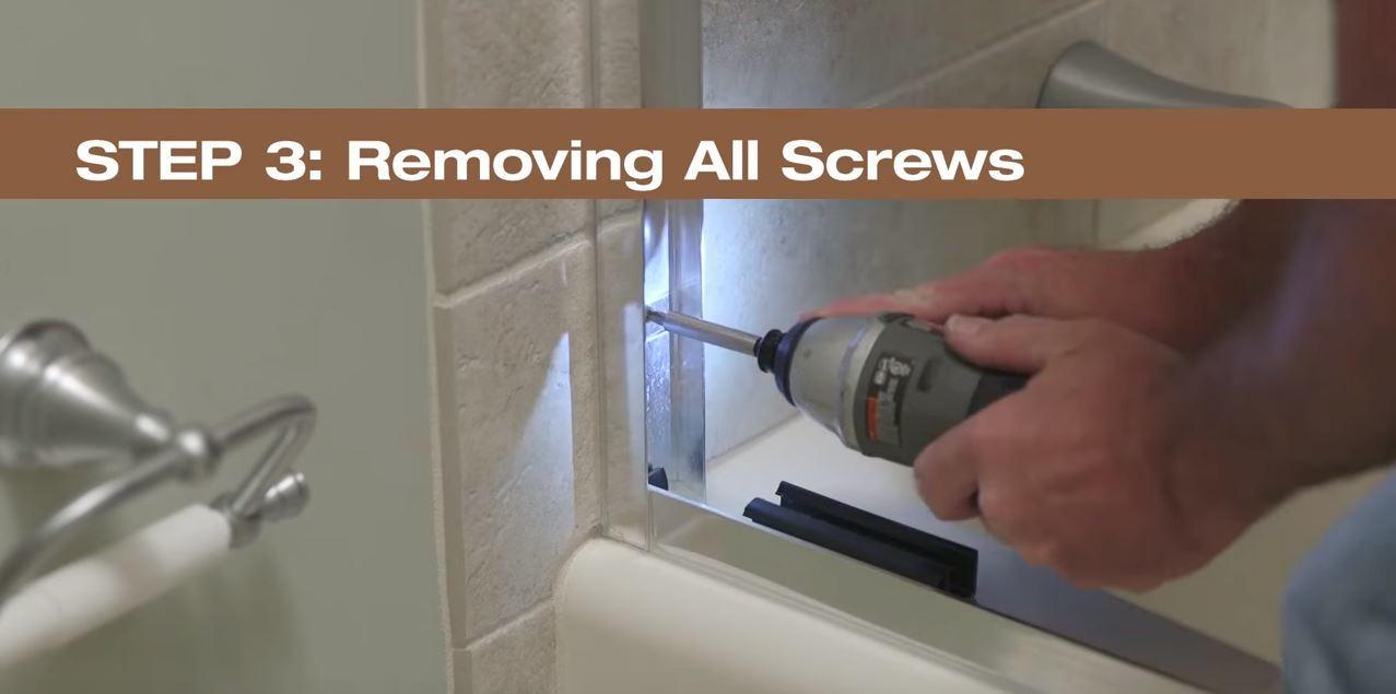 Step 3  Removing All Screws