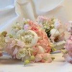 Milanes_bridesmaidsBouquets1