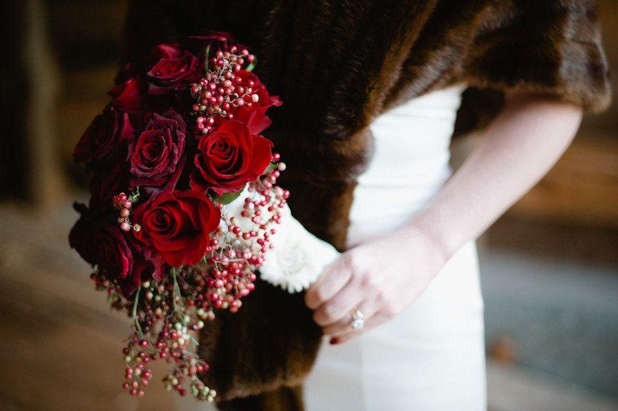 vintage-bride-red-rose-bridal-bouquet-fur-shrug.original