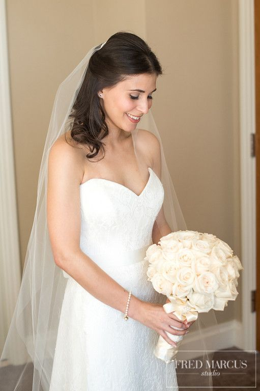 Liza's Bridal Bouquet / The Ritz Carlton at Battery Park City / Fred Marcus Photography