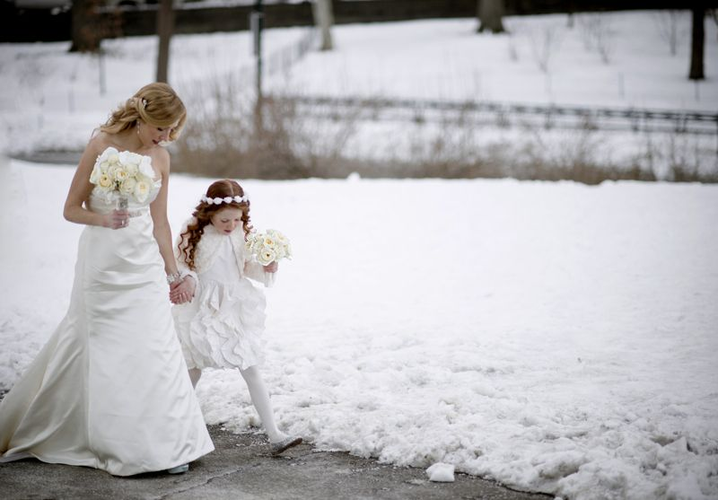 Central-Park_Bride-and-Flowergirl