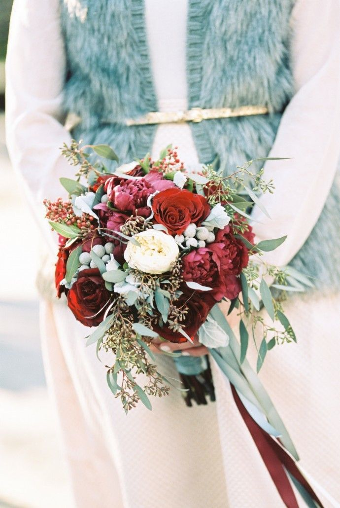 Mary & Eric Vow Renewal - red white dusty miller bouquets - Photography by Alexis June Weddings