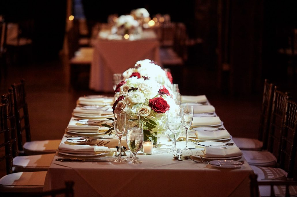 Low Centerpieces / Red and White Roses / Delanie & Andrew / The Liberty Warehouse / Photo by Le Image/
