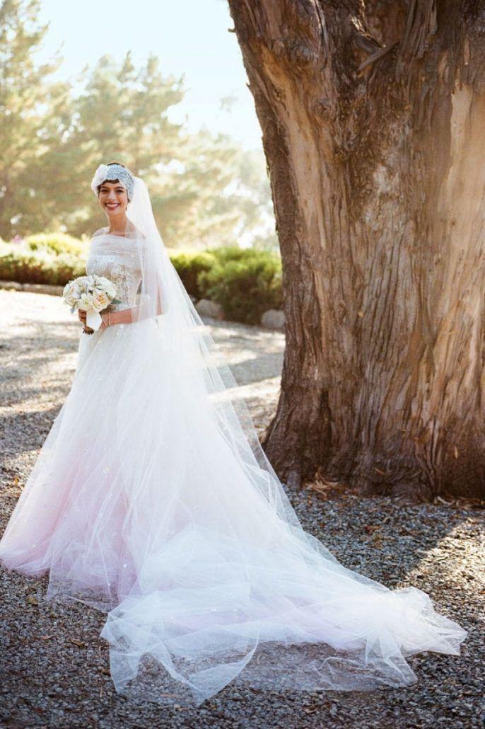 Anne Hathaway / Pink Wedding Dress / via paniculatainbloom.com