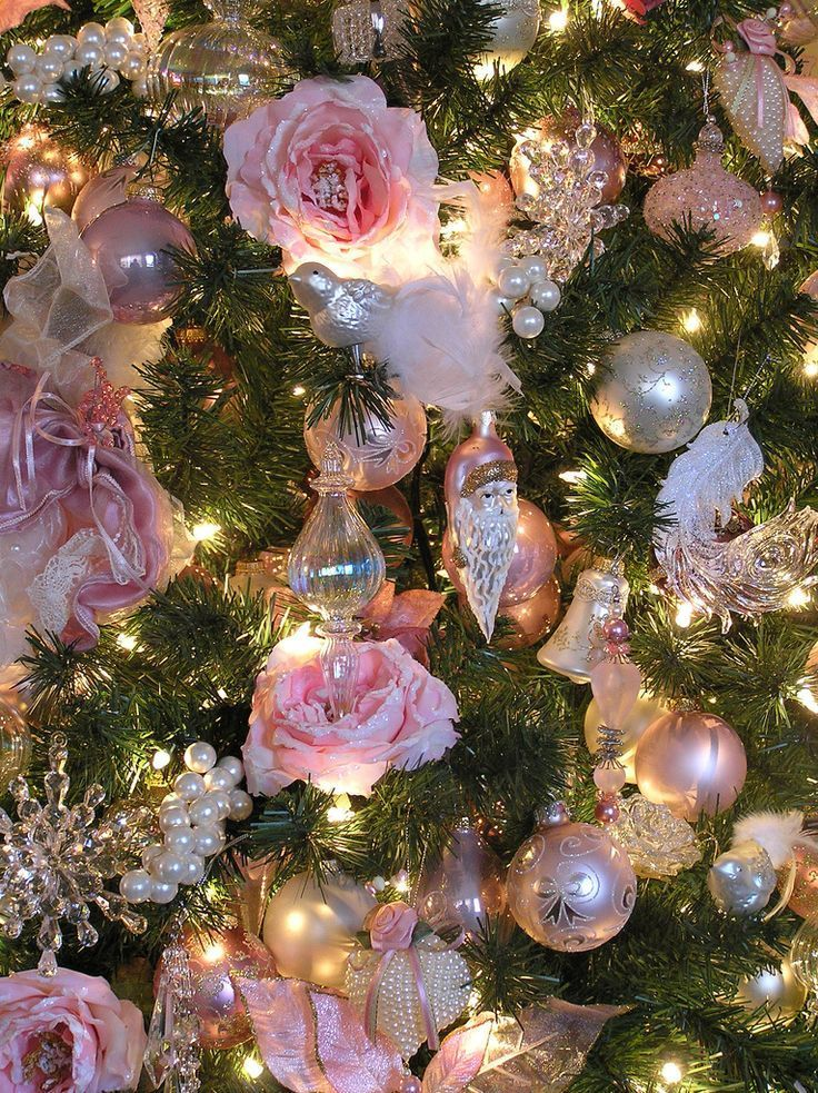 Christmas Tree - Floral Ornaments Close-up - via Pinterest