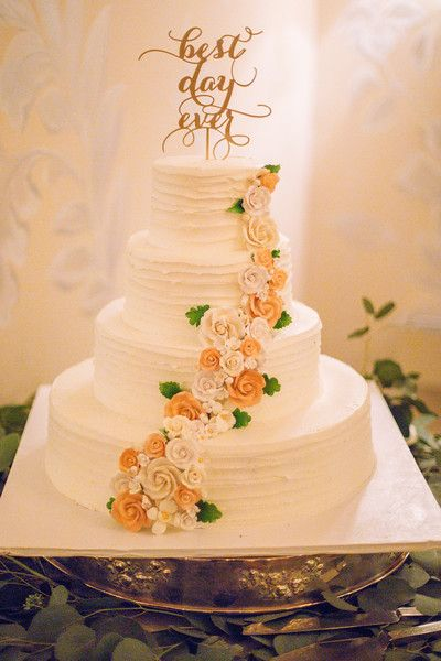 Wedding Cake / Alyson & Gary / The Estate at East Wind / Kate Neal Photography