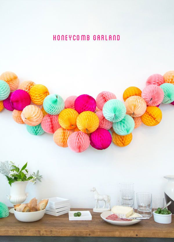 Honeycomb DIY Garland - Photo by Kim A. Thomas - Crafting by Stephanie Pressler - Via Oh Happy Day.com