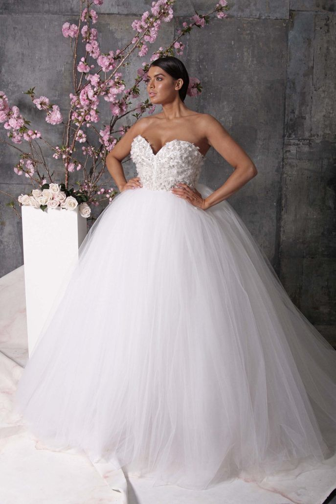 Bridal Gown - Volume - Christian Siriano - via Vogue.com