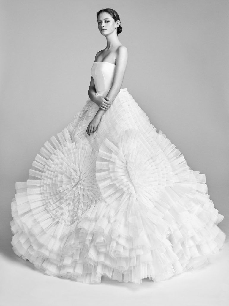 Bridal Gown - Volume - Viktor Rolf - Spring 18 - via Vogue.com