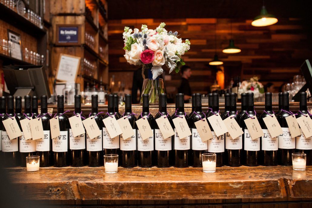 Wedding Gifts Wine: Wedding Favors Your Guests Will Be Talking About Long