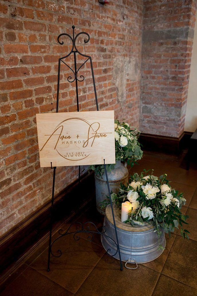 Aerin and Steven Wedding - Entrance Arrangements - 26 Bridge Brooklyn - Susan Shek Photograph