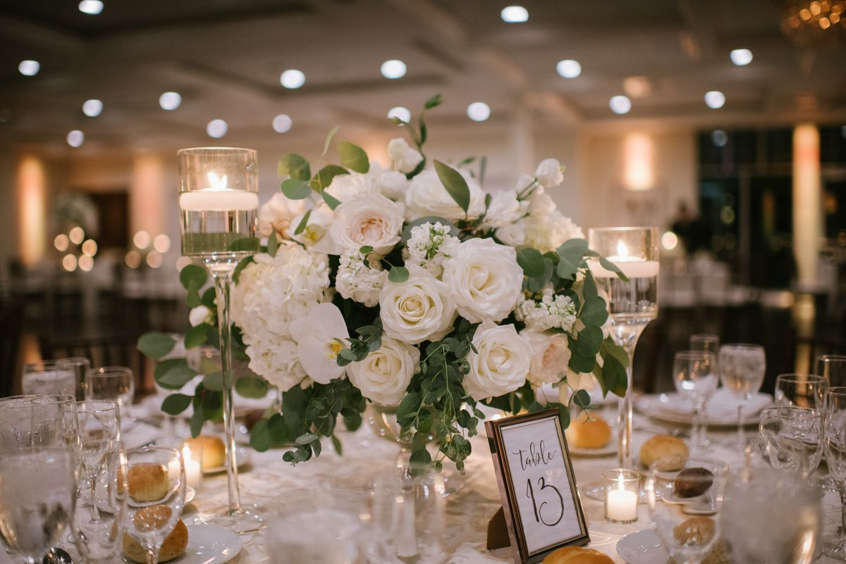 Beautiful greenery for your winter wedding by bride