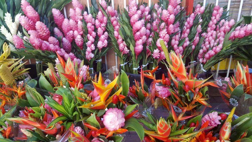 Flowers of Tahiti - via farandaway.us