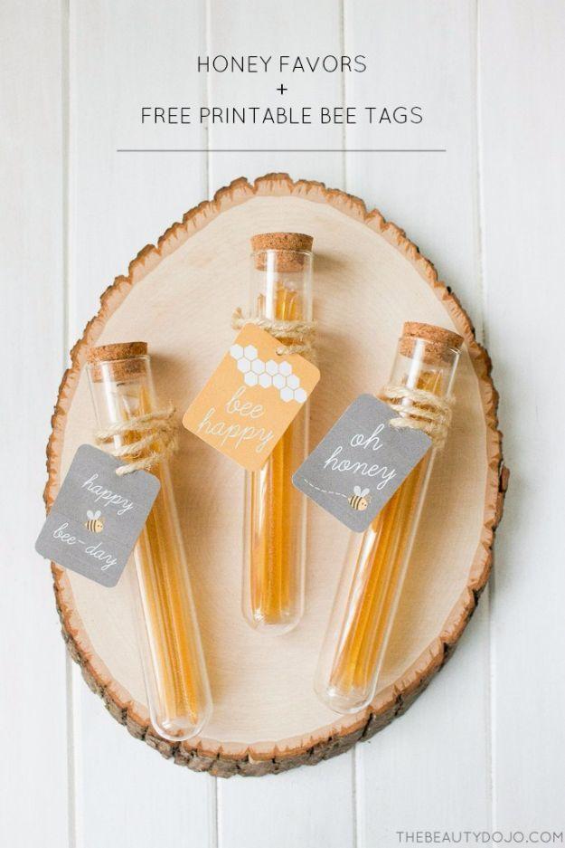 DIY Wedding Favor - Honey Favor - via thebeautydojo.com