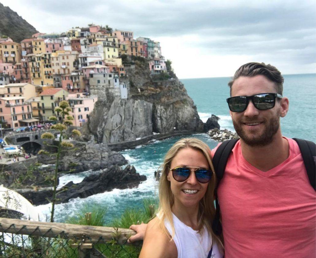 Honeymooners in Cinque Terre Italy - via farandaway.us