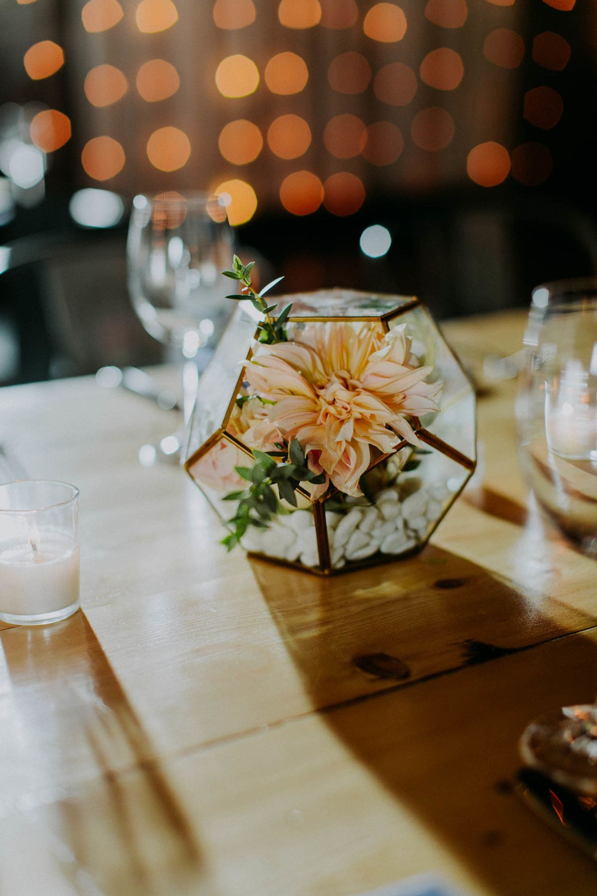 Gorgeous Decor Ideas With Dahlia Wedding Flowers By Bride Blossom Nyc S Only Luxury Wedding Florist Wedding Ideas Tips And Trends For The Modern Sophisticated Bride