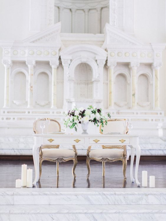 Sweetheart Table - via insideweddings.com