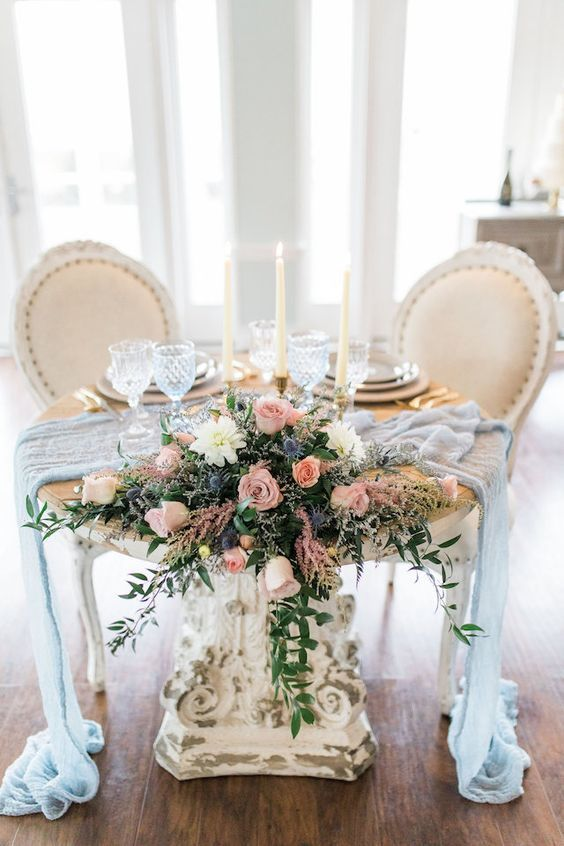 Sweetheart Table - via burnettsboards.com