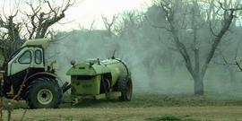 Larson apple spraying