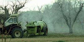 Larson apple spraying
