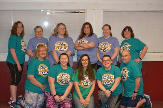 North Country Biggest Loser participants posing with Nutrition Program Educator Karin Lamkins