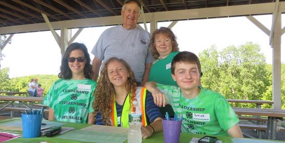 4-H volunteers @ Fishing Clinic