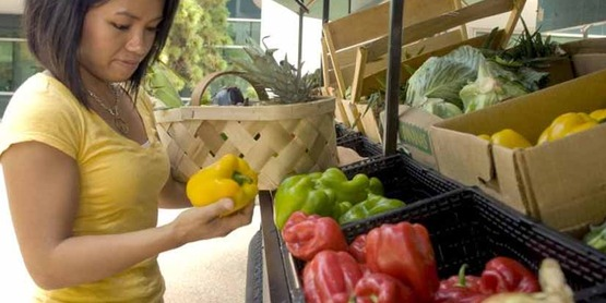 Learn how to save money when buying fruits and vegetables