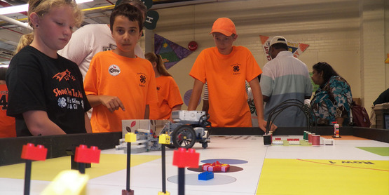 4-H Robotics Group Meets