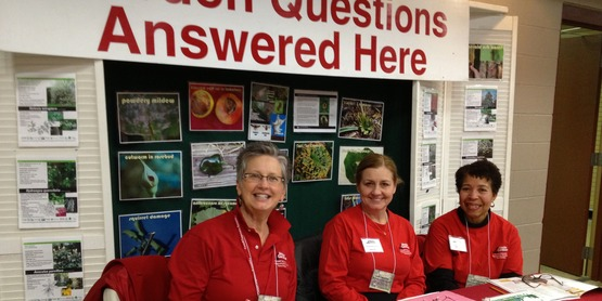Master Gardeners answering questions