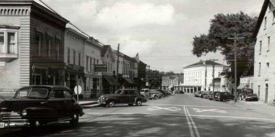 Vintage postcard scene of Main Street, Honeyoe Falls, NY circa 1930s