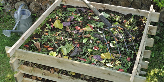 There are many ways to compost. Choose the method of composting that suits your lifestyle.